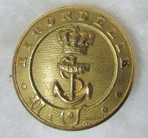 RRRARE Bouton Marine L'Hirondelle Ancre Et Couronne Goélette Royale De Monaco ??? Ancien Dans Son Jus Dos Scanné Métal - Buttons