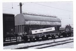 PHOTO Train Wagon Trémie SNCF SIMOTRA Attache Brétigny RETIRAGE RECENT D'après NEGATIF ORIGINAL Des Années 60 - Trains