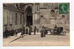 - CPA SAINT-QUENTIN (02) - Sortie De La Messe De La Cathédrale 1911 (belle Animation) - Editions Lévy N° 61 - - Saint Quentin
