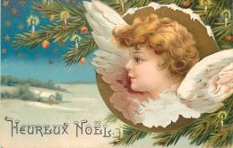 CP ILLUSTREE HEUREUX NOEL PORTRAIT ANGE PROFIL SAPIN BOUGIES KF - Noël