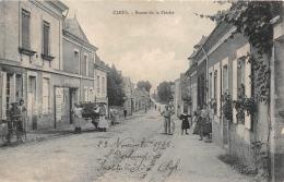 CLEFS       ROUTE DE LA FLECHE   INSTITUTRICE - Other Municipalities