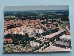 Vue Aérienne. Groupe D'H.L.M. Du Champ De Foire ( CIM ) Anno 19?? ( Voir Photo ) ! - Belleville Sur Saone
