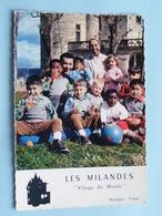 """LES MILANDES """" Village Du Monde """" JOSEPHINE BAKER - JO BOUILLON ( Lumicap ) Anno 19?? ( Voir Photo ) ! - Sarlat La Caneda"""