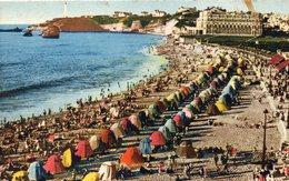 CPA BIARRITZ - UN COIN DE LA GRANDE PLAGE - Biarritz