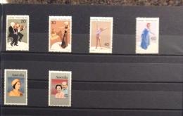 Australia -1977 ARTS, SILVER JUBILEE,PARLIAMENT HOUSE, TU COUNCIL,CHRISTMAS AND AUSTRALIA DAY  SETS MNH - 1966-79 Elizabeth II