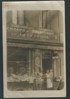 Liège. Photo-carte. Grande Brasserie Hougarde. Rue Basse Wez, 214. Dépositaire H. Bartholomé. 3 Scans. - Luik
