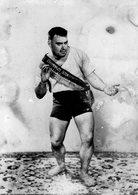 56-yves Vaucher-un Lutteur Breton En Tenue De Combat(gourin)autographe-champion De Bretagne - Bretagne