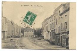 88-DARNEY-Rue De La République...1916  (coin Pli) - Darney
