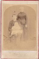 PHOTO GRAND CDV FAMILLE BUARD FEMME Avec Coiffe Tenue Paysanne 19 Eme LA COSNUERE COURCITE MAYENNE - Anciennes (Av. 1900)