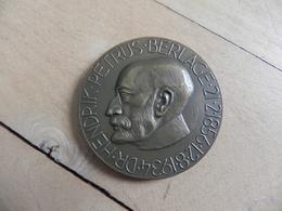 Medal -  Penning Op Het Overlijden Van Dr. H.P. Berlage 1934 - Pays-Bas