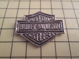 Pin511d Pin's Pins / Rare Et De Belle Qualité / MOTOS : HARLEY DAVIDSON MOTOR CYCLES - Motorräder