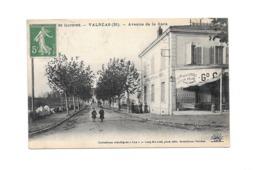 CPA 84 Valreas Avenue De La Gare Edit Lux N° 31 1914 Grand Café  De La Paix - Valreas