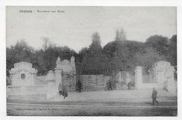 BEZIERS EN 1926 - MONUMENT AUX MORTS - CPA VOYAGEE - Beziers
