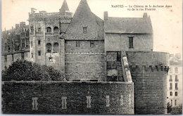 44 NANTES - Le Château, Vu De La Rue Premion - Nantes