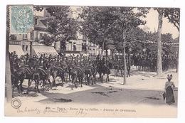 Belle CPA  Animée Tours : Revue Du 14 Juillet, Avenue De Grammont. A Voyagé. - Tours