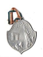 MILITARIA . MÉDAILLE . PRISONNIERS DE GUERRE . ARRONDISSEMENT DE TARBES 1915 - Réf. N°101TI - - Armée De Terre
