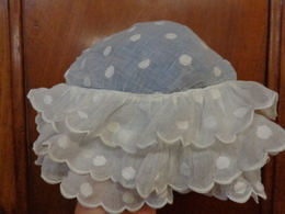 Coiffe-bonnet Pour Dame -plumetis Sur Linon - Headdresses, Hats, Caps