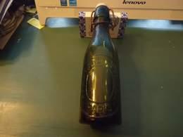 Bouteille De Bière Marquée En Relief  - De Fin Des Années 1920 - France - ASSISTANCE PUBLIQUE PARIS  - 25 Cl - Vide - Bo - Beer