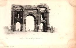 ALGERIE - TIMGAD - ARC DE TRAJAN - COTE OUEST - Algeria