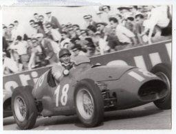 < Auto Voiture Car > Retirage 10 X 13 De Plaque Photo De Verre F1 Fangio Sur Maserati 1953 - Reproductions