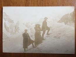 (Chamonix, Carte-photo) Touristes à La Mer De Glace. Service Photographique Des Glaciers, Vers 1910. - Chamonix-Mont-Blanc