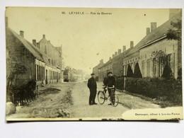 C.P.A. LEYSELE : Rue De Beveren, Animé, Vélo, En 1916 - Alveringem