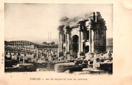 ALGERIE - TIMGAD - ARC DE TRAJAN ET VOIE DU CAPITOLE - Algeria