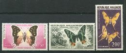 222 MADAGASCAR 1960 - Yvert A 80/82 - Papillon - Neuf ** (MNH) Sans Trace De Charniere - Madagascar (1960-...)