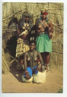 Afrique Du Sud Tribal Life : Zulu Witch Doctor Wearing His Fine Headdress Zulu Maidens Beads Skin Leggings (Zoloe Zoulou - Sudáfrica