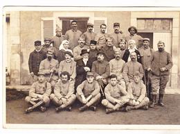 86 Montmorillon Carte Photo Du 04.02.1918 Soldats Convalescents Et Personnel Hospitalier. Tb état Non Circulé - Montmorillon