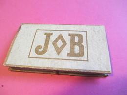 Carnet Papier Cigarettes/JOB /Bardoux/Couverture Rigide/Feuilles Tenues Par Petite Ficelle /Vers 1920-1950  CIG58 - Sigarette - Accessori