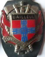 INSIGNE SAPEURS POMPIERS BAILLEUL - Firemen