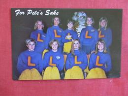 LSU Cheerleaders Louisiana > Baton Rouge    Ref 2897 - Baton Rouge