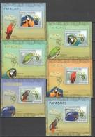 Z1404 2007 MOCAMBIQUE BIRDS PARROTS PAPAGAIOS 6 LUX BL MNH - Perroquets & Tropicaux
