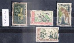 MADAGASCAR - REPUBLIQUE MALGACHE - 1960 - Petit Lot De Timbres Dentelé De L'année 1960 - Madagascar (1960-...)