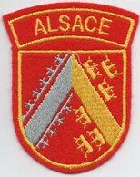 Blason D'Arbitre De La Ligue D'Alsace - Habillement, Souvenirs & Autres