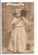 Portrait - Enfant Avec Des Fleurs. - Portraits