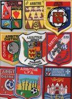 Lot De 9 Blasons D'Arbitre De La Ligue D'Aquitaine - Habillement, Souvenirs & Autres