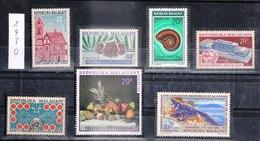 MADAGASCAR - REPUBLIQUE MALGACHE - 1970 - Petit Lot De Timbres Dentelé De L'année 1970 - Madagascar (1960-...)