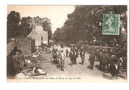 Landerneau - La Route De Sizun Un Jour De Foire - Landerneau