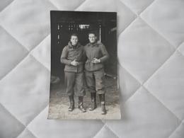 Cpa  Photo De 2 Jeunes Militaires  1ère Guerre Mondiale - War 1914-18