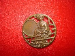 1 Bouton Bronze Laiton  Ancien Japonisant  Gaisha Voir Photo - Botones