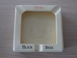 Cendrier Scotch Wisky BLACK SWAN - Wade Regicor London England - Ashtrays