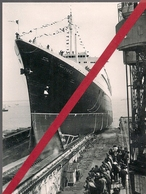 """ST NAZAIRE * LE 11 MAI 1960  *  LE  LANCEMENT  DU  PAQUEBOT  """" FRANCE """" 16 H. 15 * - Steamers"""