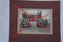 Photo GEMMENICH Moresnet La Calamine 1919 Photo De Classe Photo Patriotique Enfants En Calot Ecole Enseignement - Photographs
