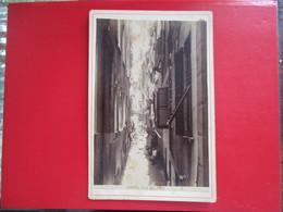 GRANDE PHOTO SUR CARTON ITALIE GENES GENOVA VICO DEL DUCA RUELLE ANIMEE - Places