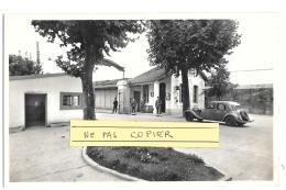CPA.  ...CARTE PHOTO...  BORDEAUX BASTIDE   QUARTIER NIEL ...POSTE DE GARDE ..CASERNE 18° ESCADRON DU TRAIN...TBE 1952 - Ohne Zuordnung