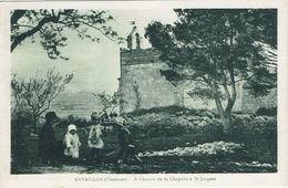 CAVAILLON - A L'ombre De La Chapelle à Saint-Jacques - Animée - Cavaillon
