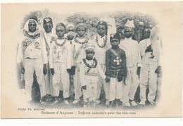 SULTANAT D'ANJOUAN - Enfants Costumés Pour Les Tam-Tam - Comoros