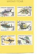 Madagascar - Thématique Poissons - Série De 6 Timbres Avec Charnières Collées Sur Bristol - Madagascar (1960-...)